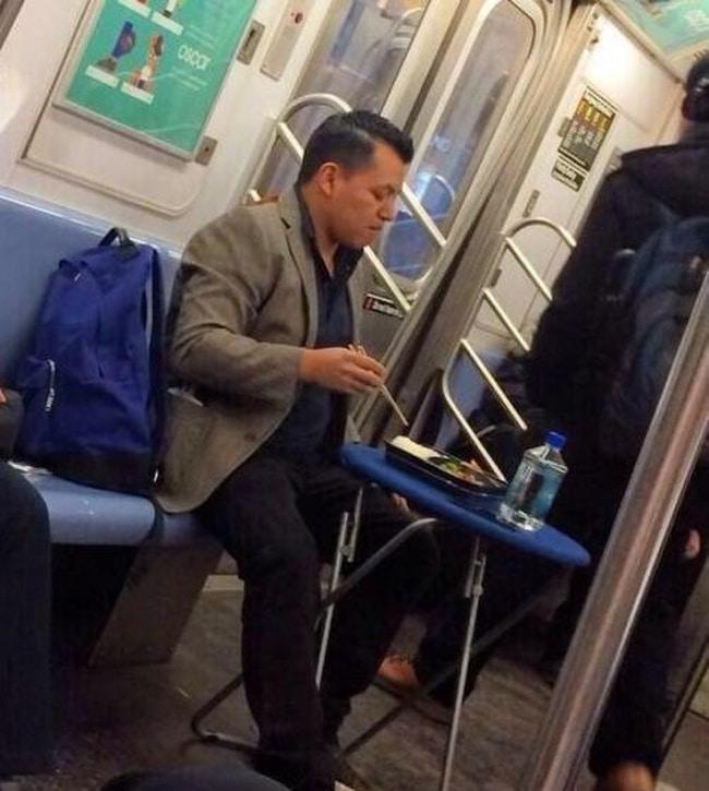 еда в метро