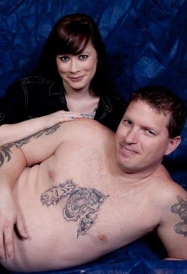 девушка и голый торс парня