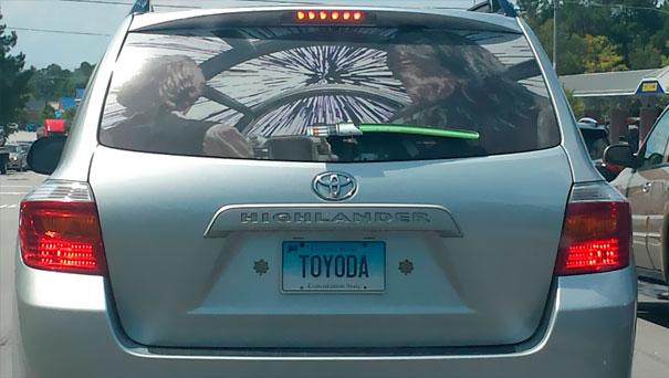 рисунок на заднем стекле авто