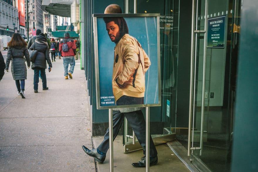 мужчина на плакате перед входом