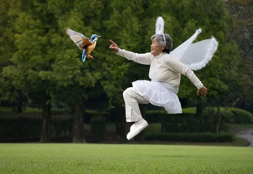 женщина в полёте с птицей