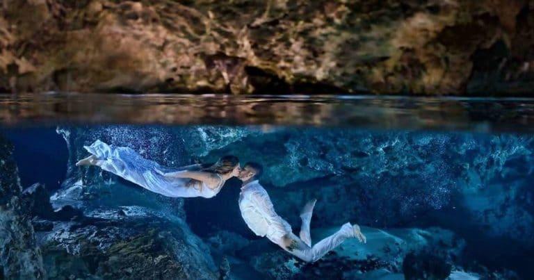 влюбленная пара под водой фото