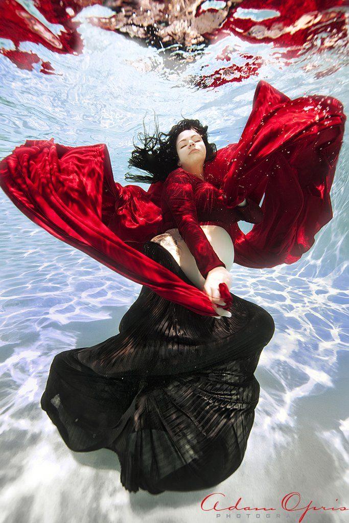 фото беременная под водой рис 7