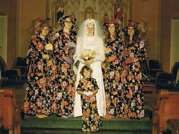 подружки невесты в цветочных платьях рис 2