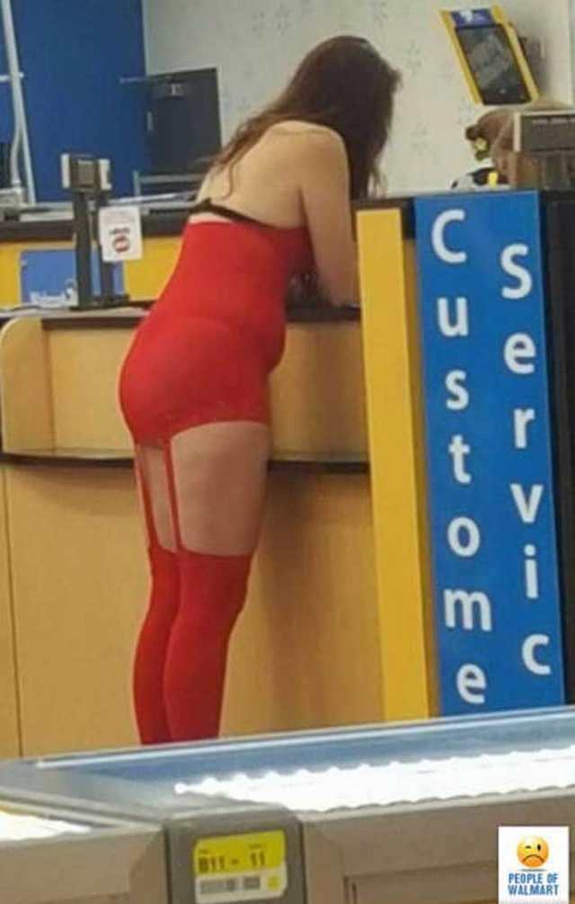 женщина в красном белье