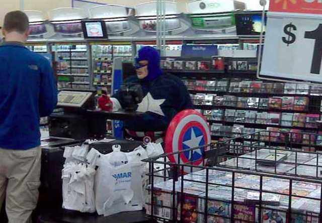 капитан америка в супермаркете