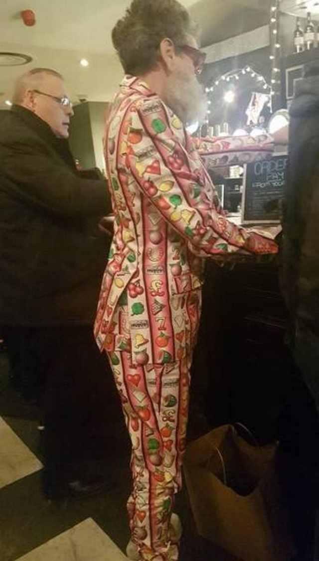 смешной мужской костюм
