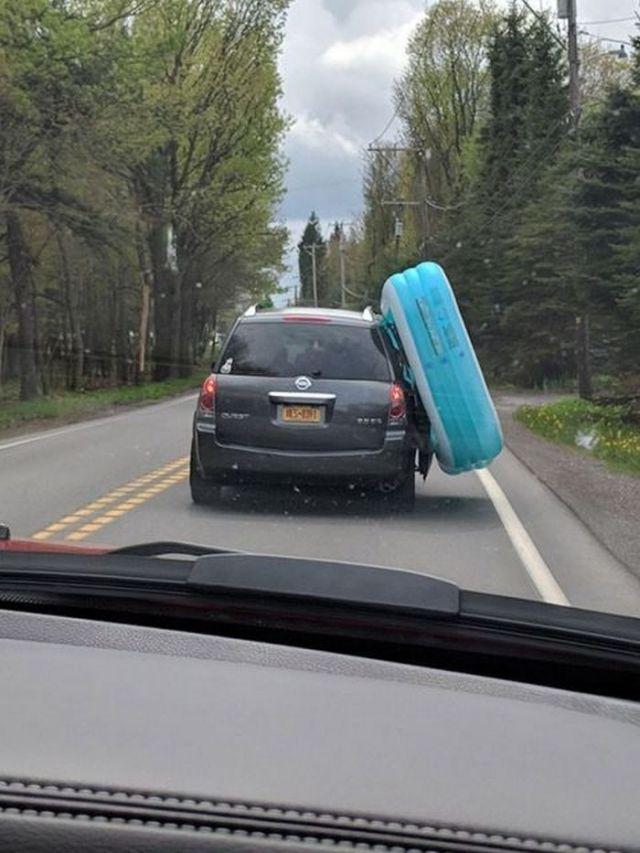 надувной матрас на машине