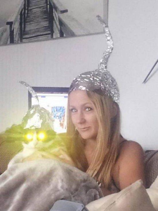 блондинка с котом