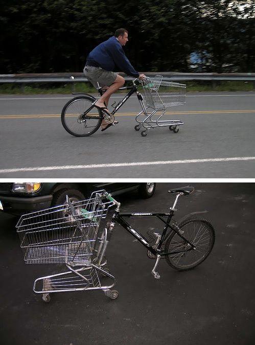 парень на велосипеде с телегой впереди
