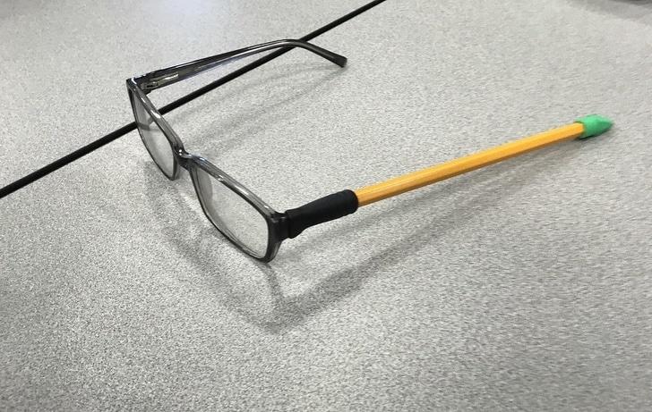 сломанные очки