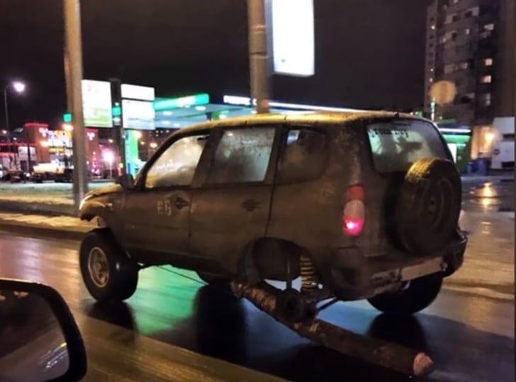 сломанное авто
