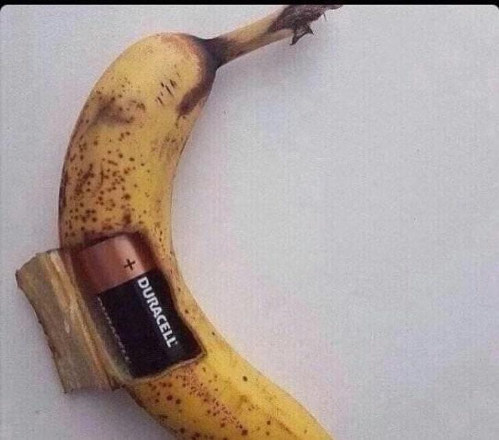 банан с батарейкой