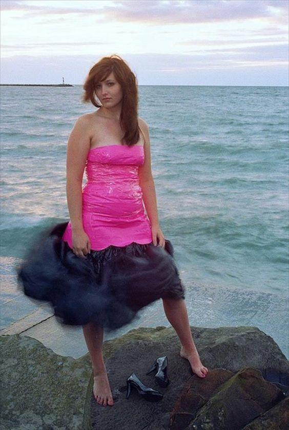 девушка в смешной платье