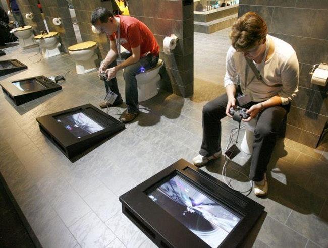 туалет с видеоиграми
