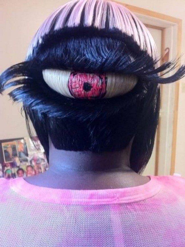 глаз в волосах