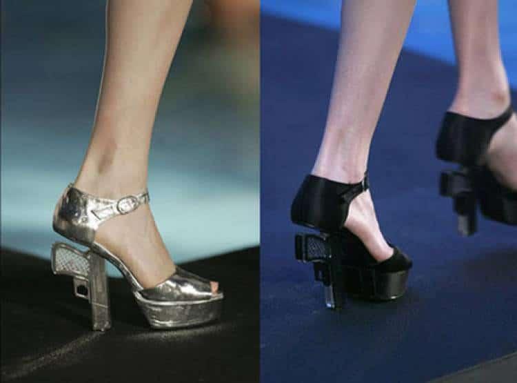 туфли с каблуком в форме пистолета