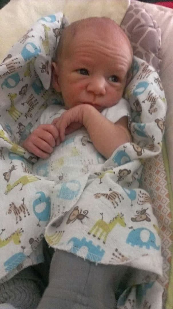 необычный младенец
