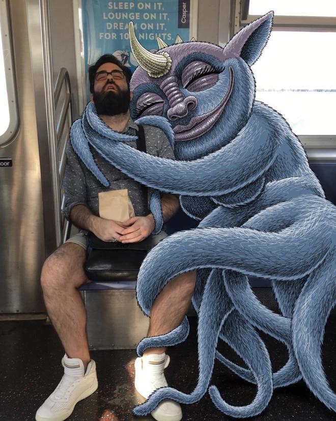 мужчина спит в метро рис 2