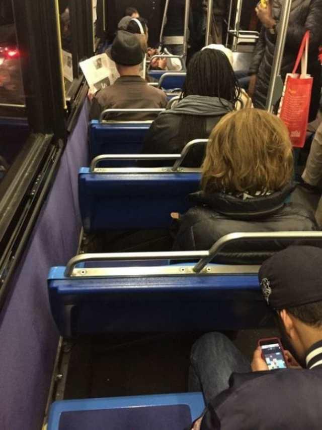 пассажиры в транспорте