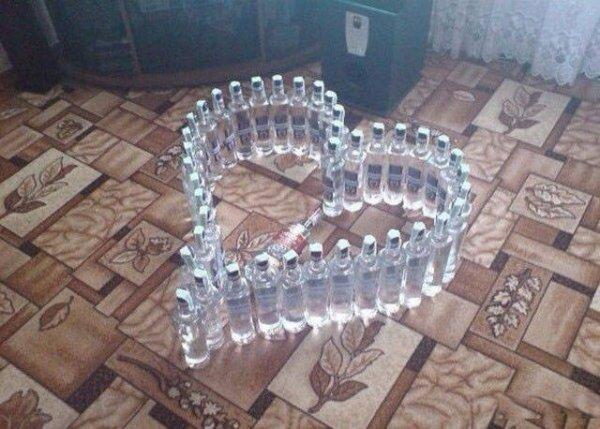 бутылки водки в форме сердца