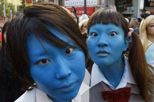 девочки с синим лицом