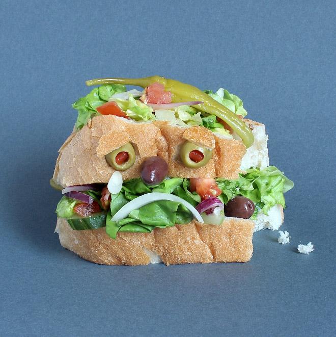 грустное лицо из еды