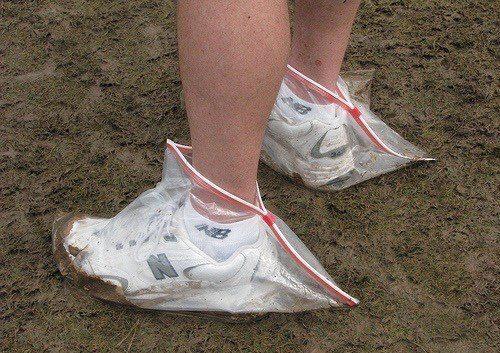 кроссовки в пакете