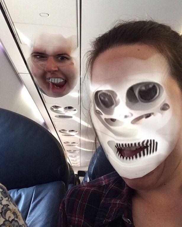 девушка в самолете