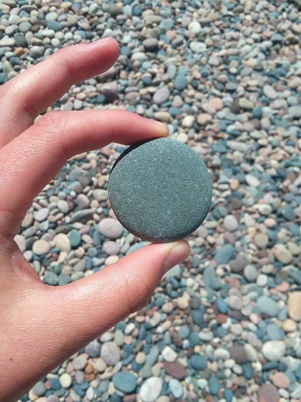идеально круглый камень