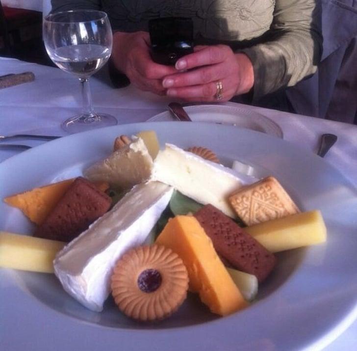 сыр и печенье