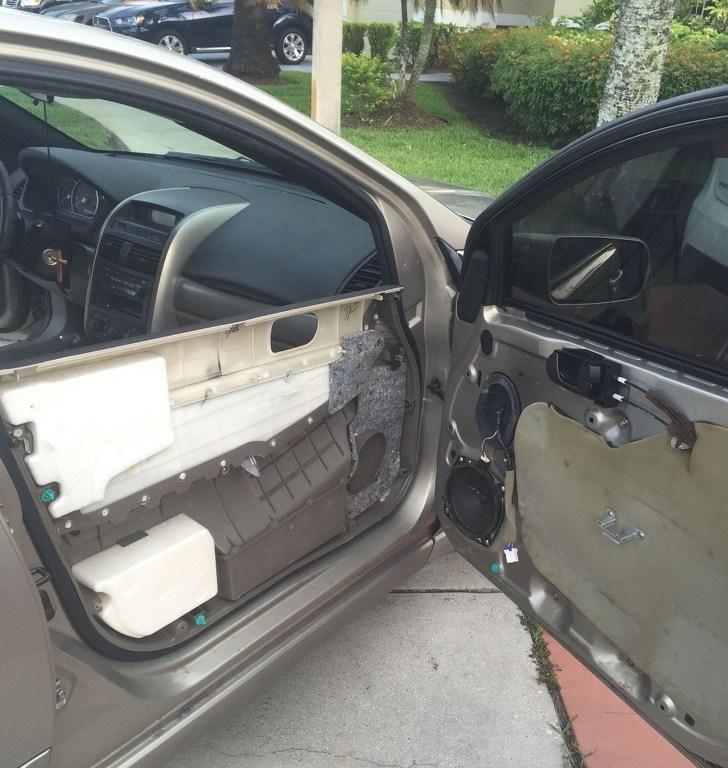 дверца машины