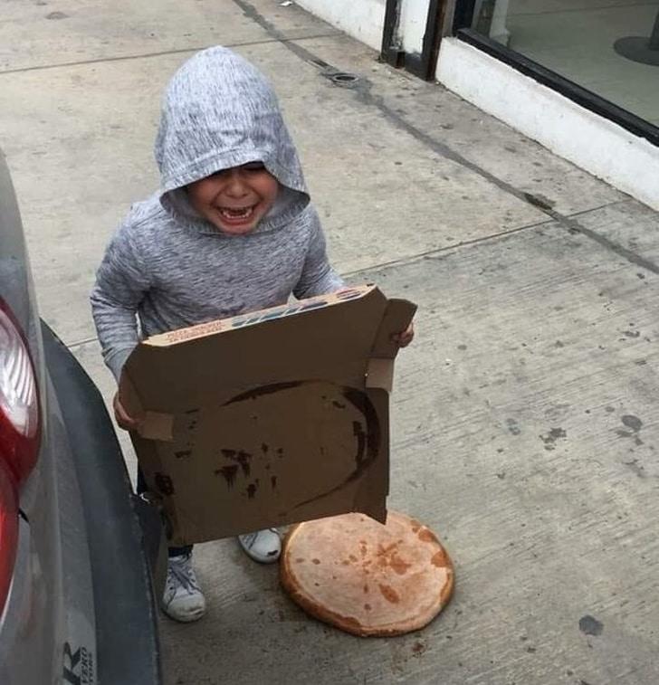 упала пицца
