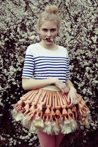 женская юбка из кукол