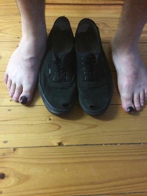 обувь с дырками
