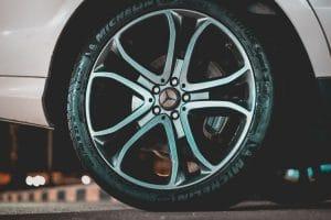 колесо машины