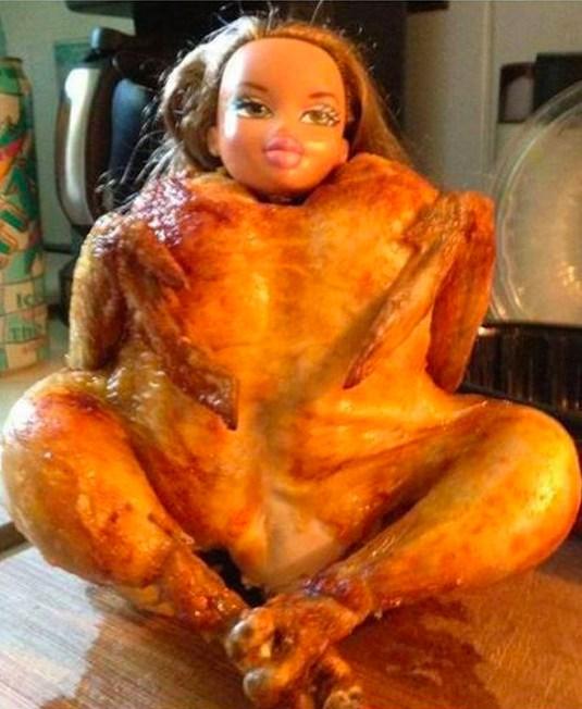кукла и курица