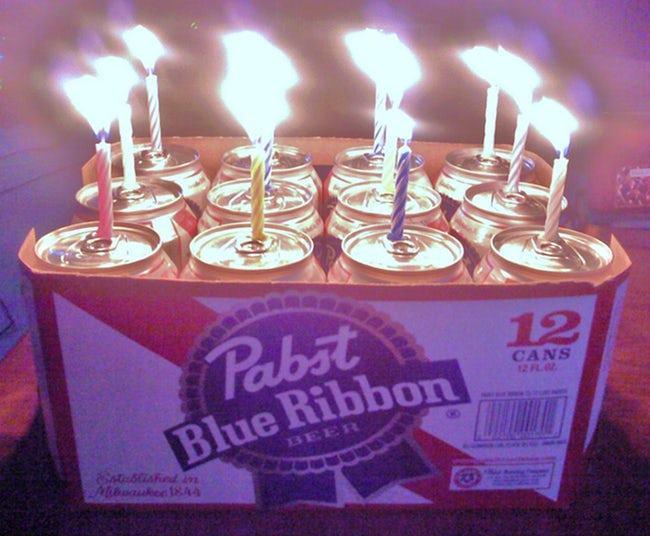 свечи в банках с пивом