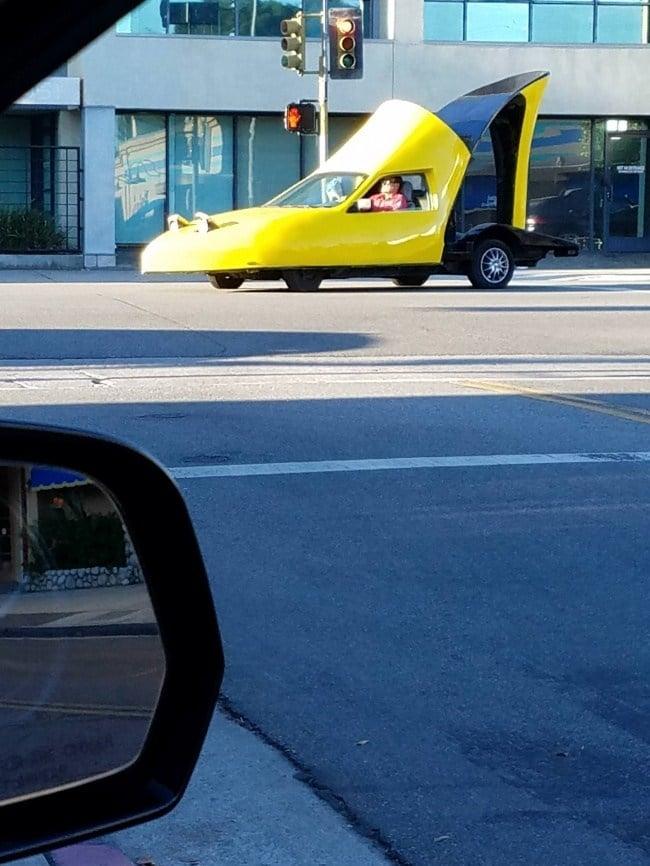 автомобиль в форме туфли