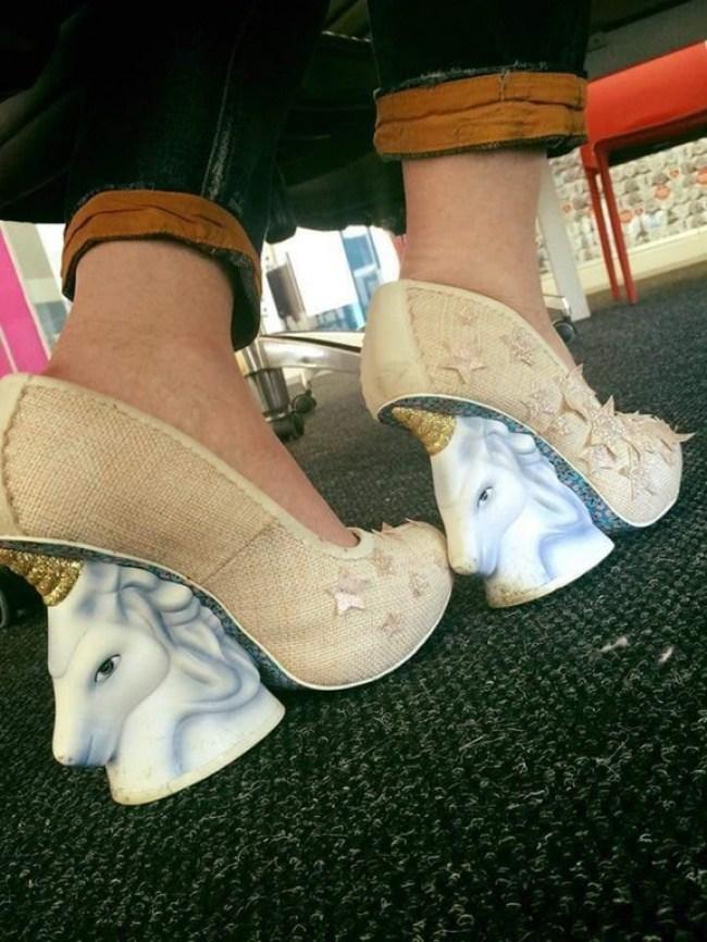 туфли с каблуком в виде единорога