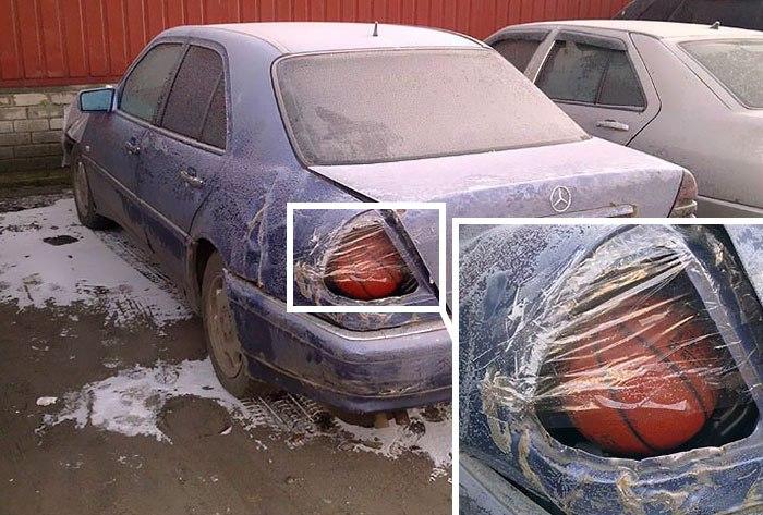 машина с разбитой фарой