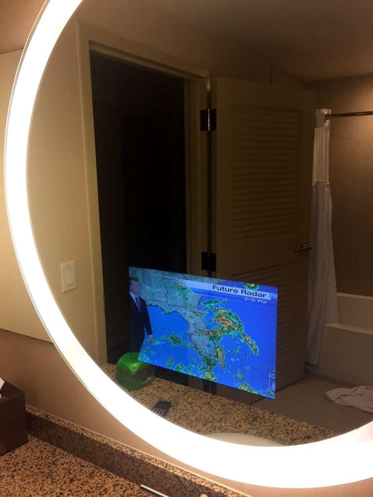 зеркало с телевизором