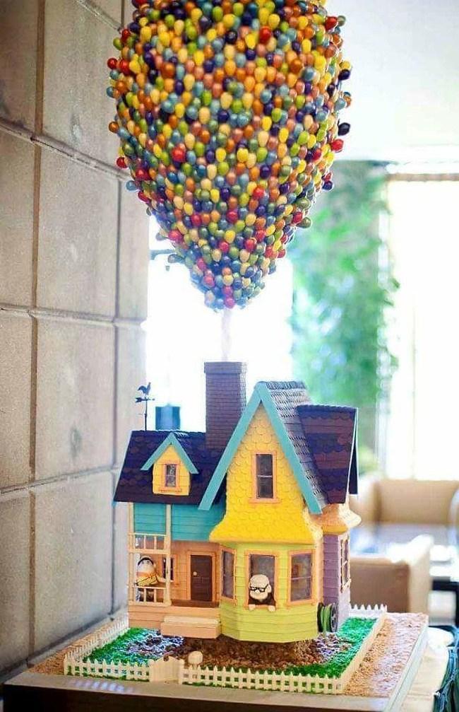 торт в форме дома