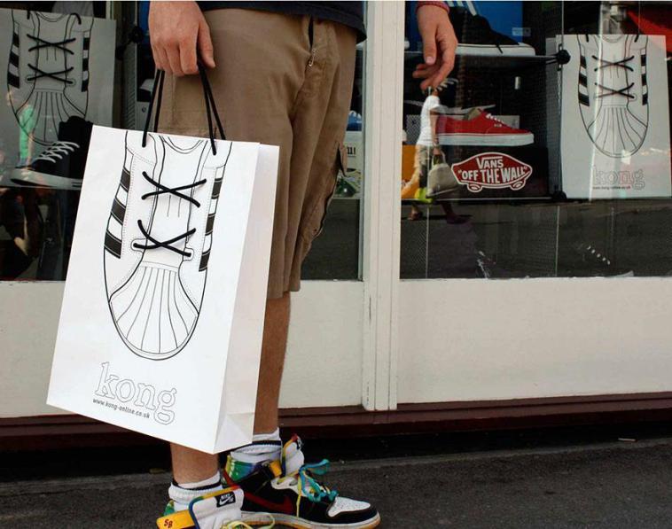 пакет с нарисованной обувью