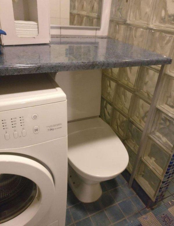 унитаз рядом со стиральной машиной