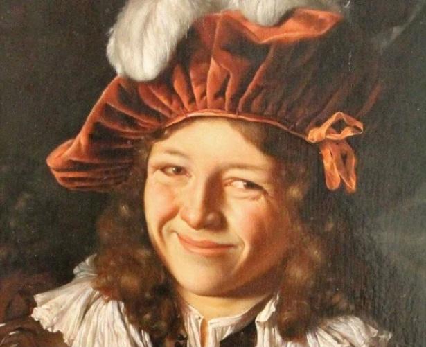 улыбающийся человек на картине