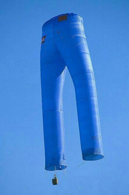 воздушный шар в виде джинсов