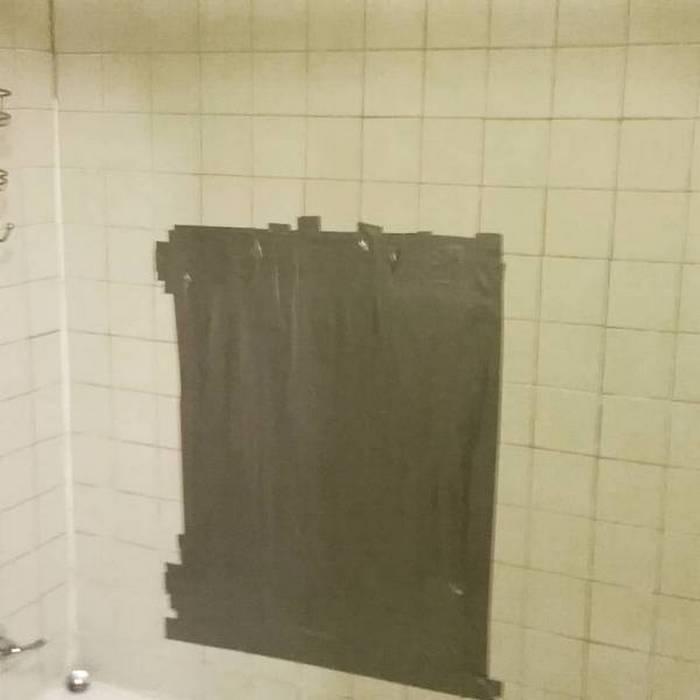 ванная комната и изолента