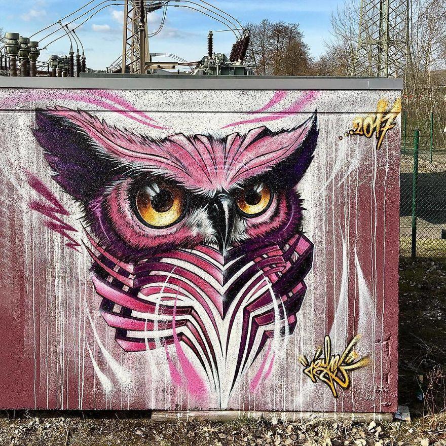 рисунок совы на стене