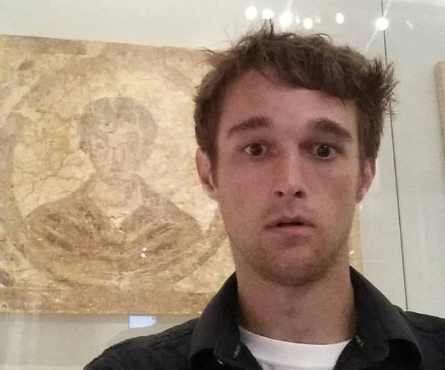 парень и фреска